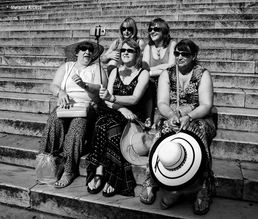 foto di turisti a roma