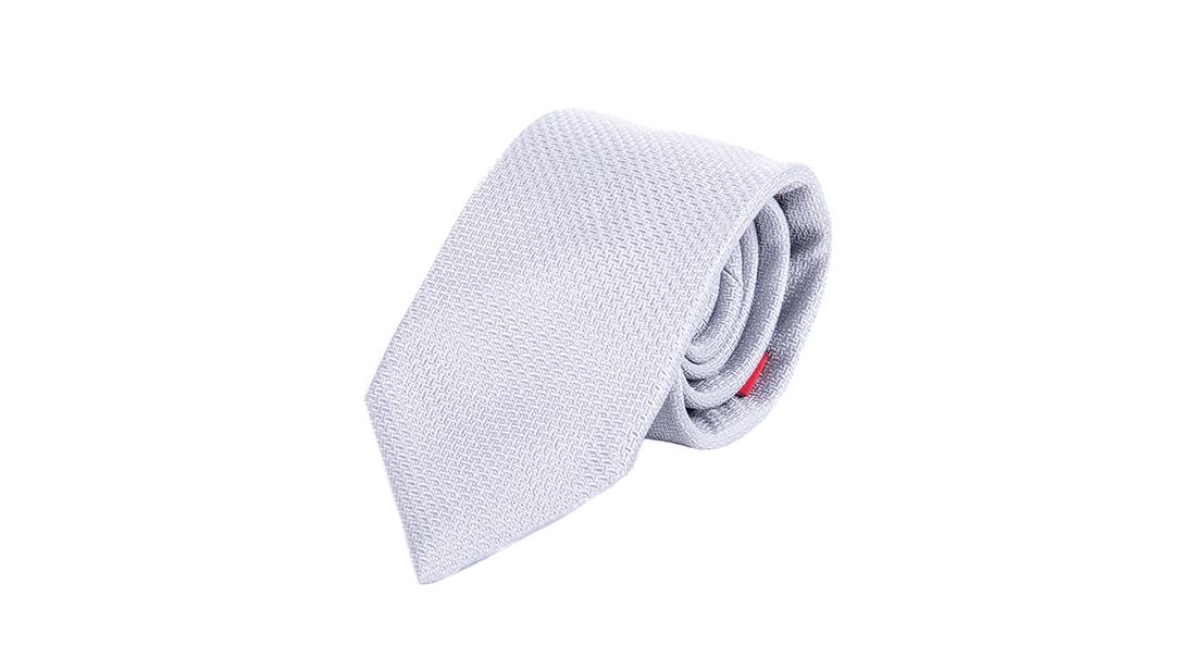 foto per ecommerce cravatta bianca